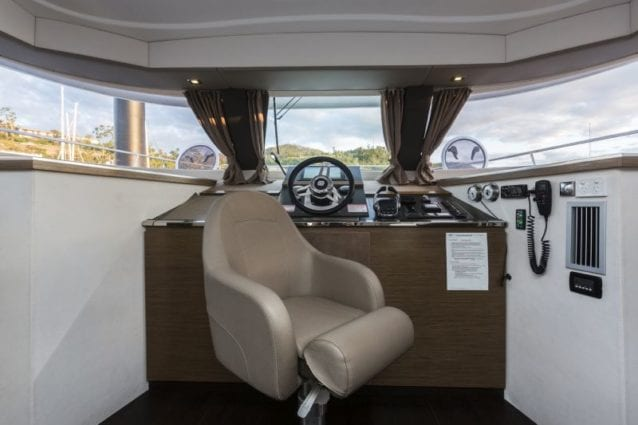 Whitsunday Escape Summerland 40 Internal Helm